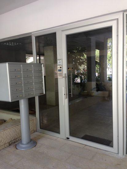 תיבות דואר לבניין מגורים - אלומט