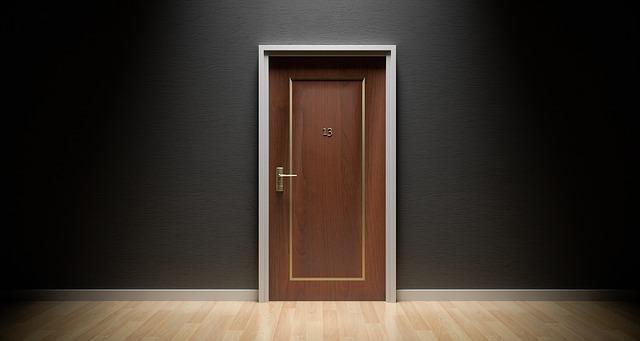 דלת הזזה חשמלית מחיר משתלם במיוחד